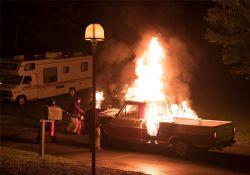فیلم سینمایی غریبه ها : شکار در شب  www.filimo.com/m/BbNwL