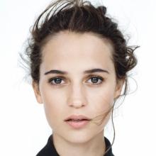 آلیسیا ویکاندر - Alicia Vikander