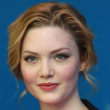 هالیدی گرینگر - Holliday Grainger