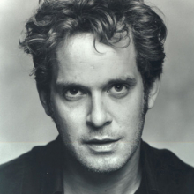 تام هالندر - Tom Hollander