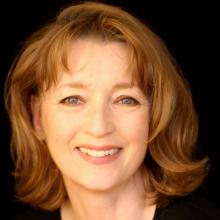لسلی منویل - Lesley Manville