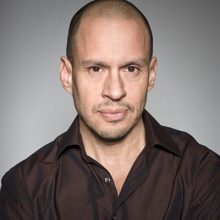 جاناتان ساگال - Jonathan Sagall