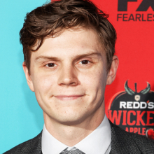 ایوان پیترز - Evan Peters