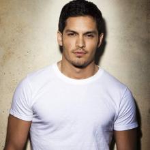 نیکولاس گونزالز - Nicholas Gonzalez