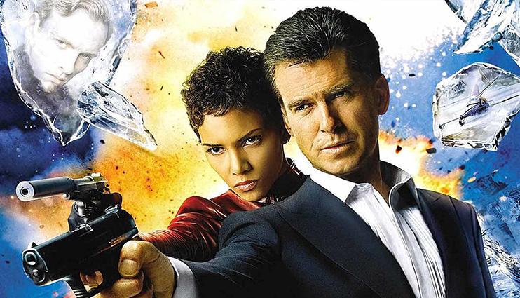پیرس برازنان و هالی بری در فیلم جیمز باند (روز دیگری بمیر)